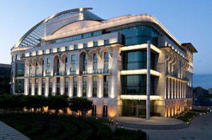 Épület fotó kivilágított épület